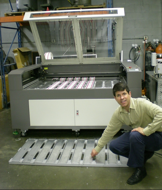 Laser Cutting fixture with center alignment